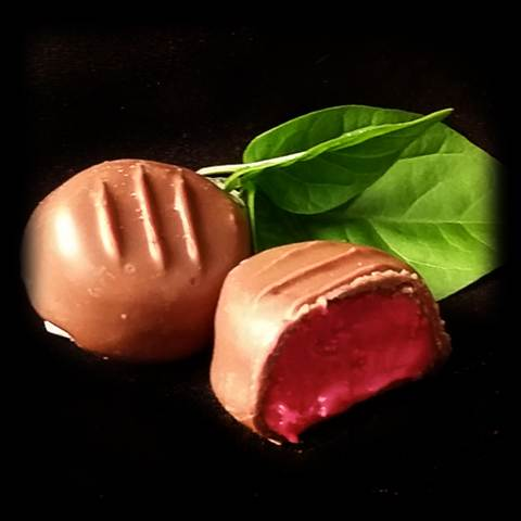 Raspberry Cream, Milk Chocolate, 1/2 lb. Gift Box