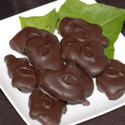 Cashew Wurtles, Dark Chocolate, 1/2 lb. Gift Box