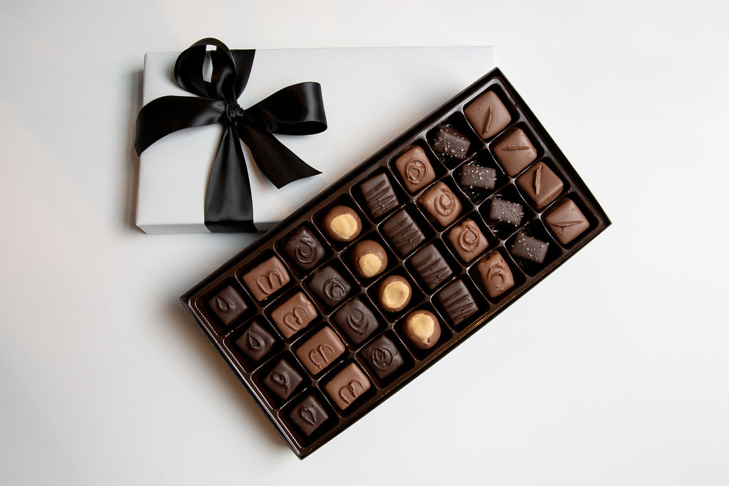 Signature Selection, 1 lb. Assorted Gift Box